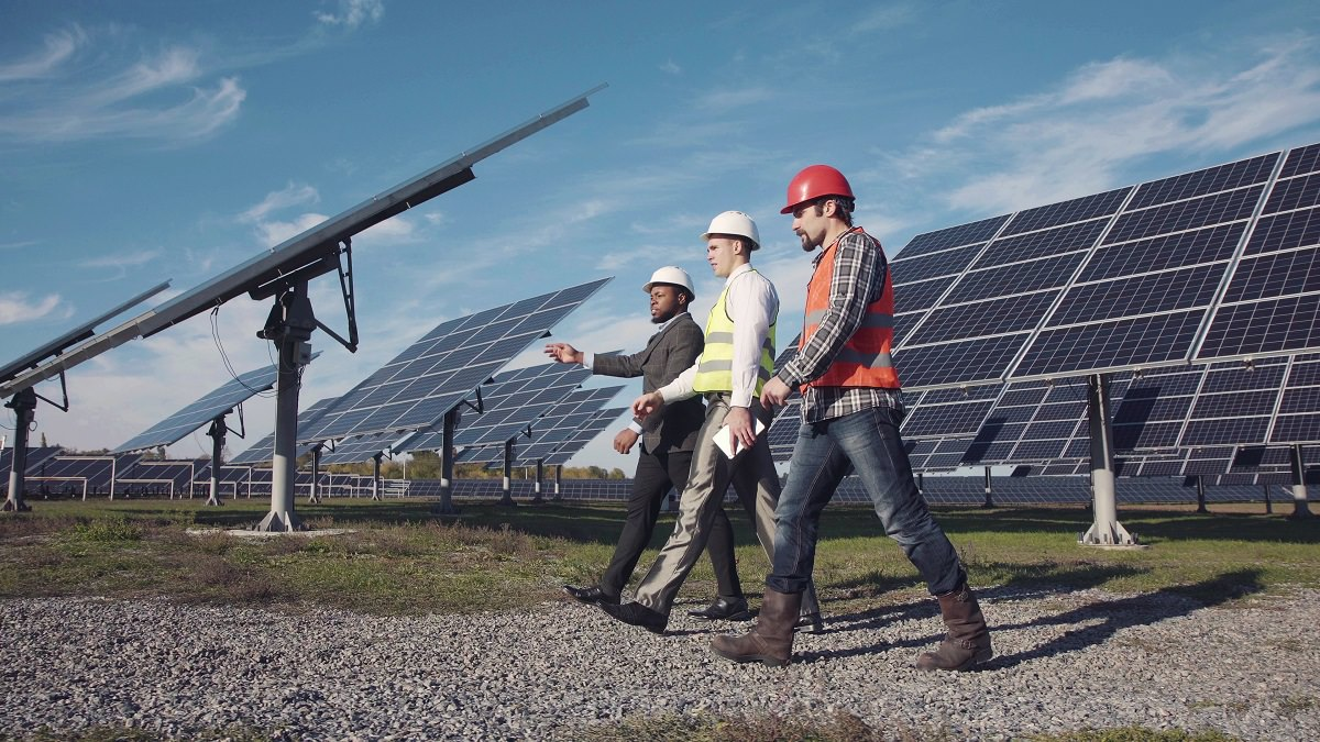 START YOUR CAREER IN THE FIELD OF SOLAR ENERGY
